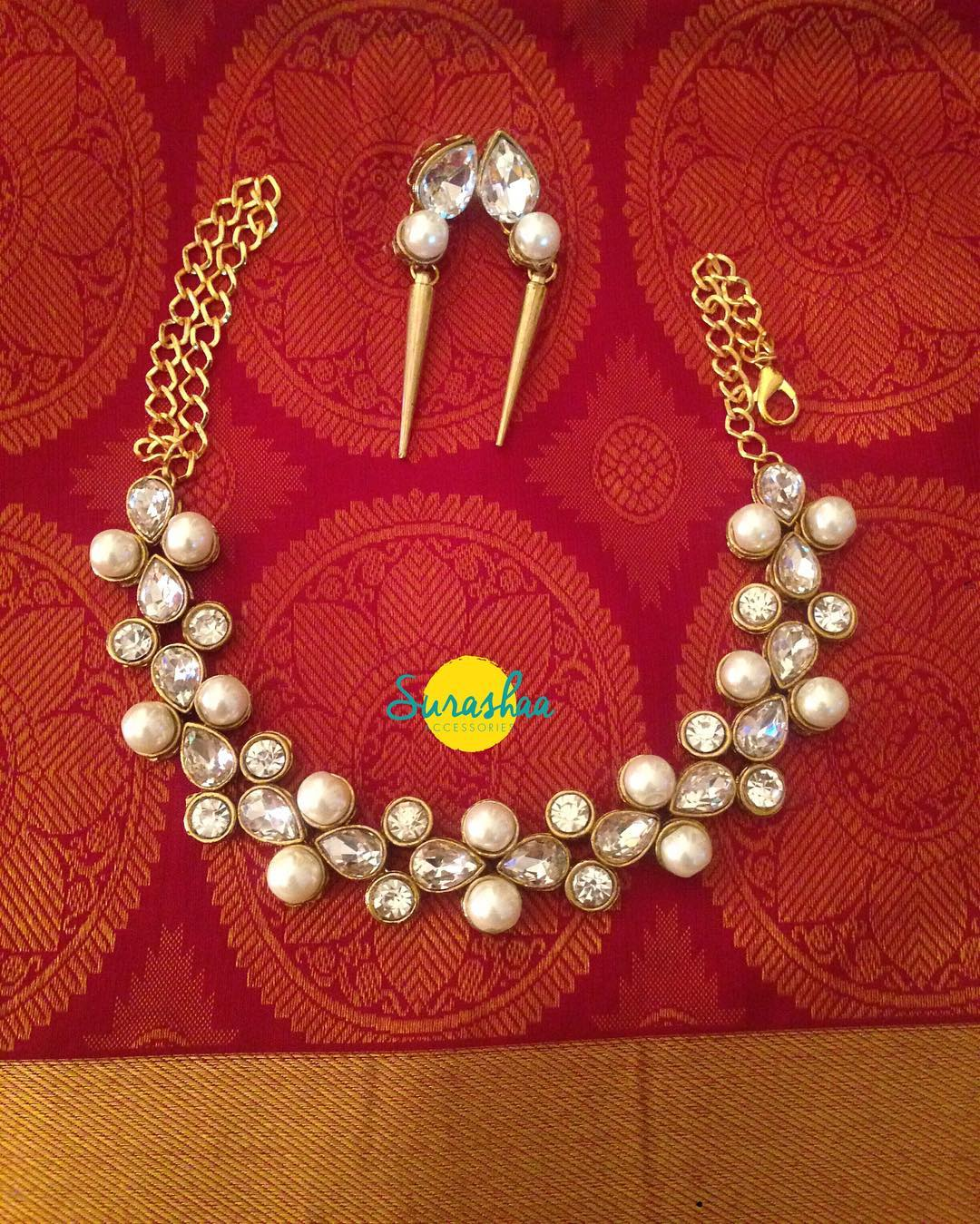 Necklace Set With Thick Stones And Pearls FromSurasha
