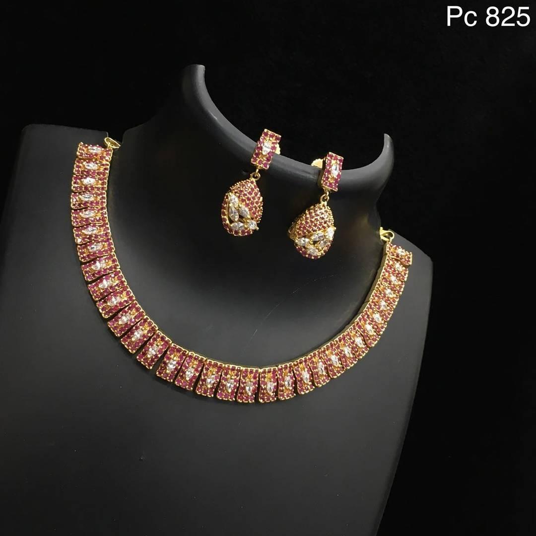 Stylish Stone Necklace From Alamakara