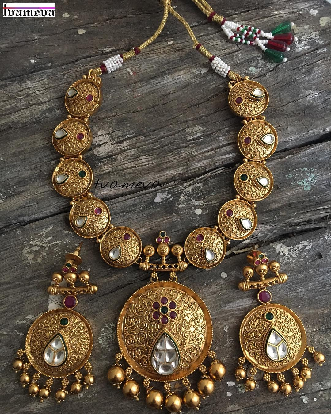 Antique Kundan Set from Tvameva