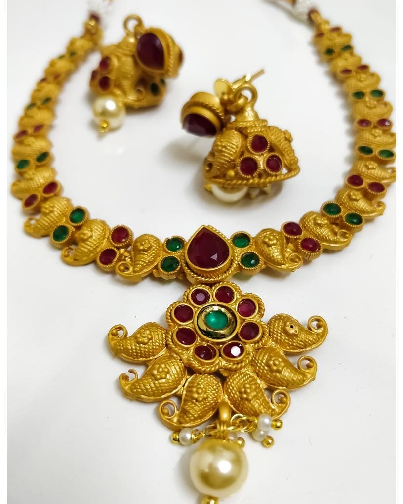 Attractive Necklace Set From Viya Collections