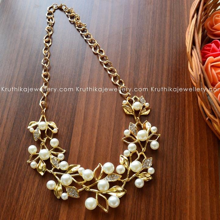 Fashionable Pearl Necklace From Kruthika-Jewellery