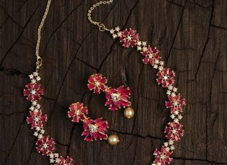 Elegant Necklace Set From Kimi Girl