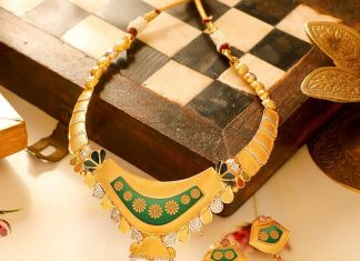 Eye Catching Necklace Set From Manubhai Jewels
