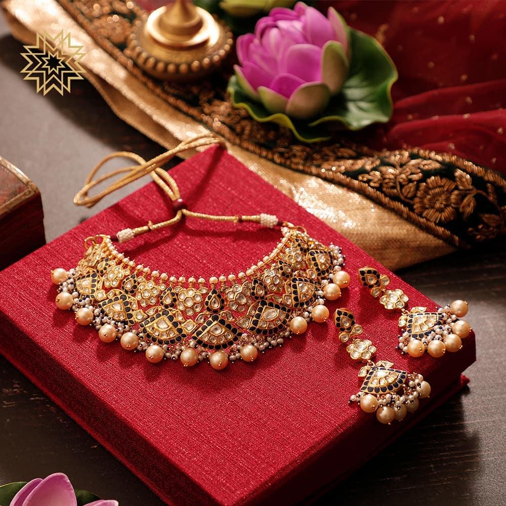 Amazing Gold Choker Set From Manubhai Jewellers
