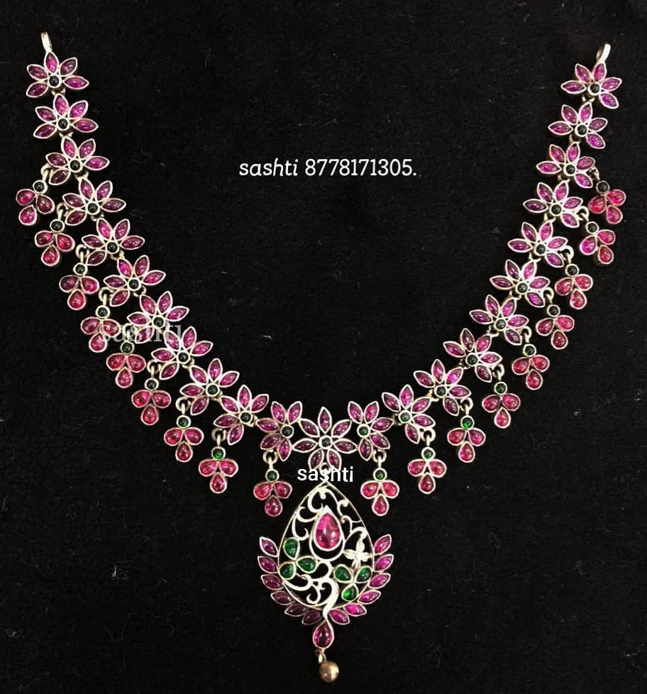Amazing Necklace From Silver Sashti