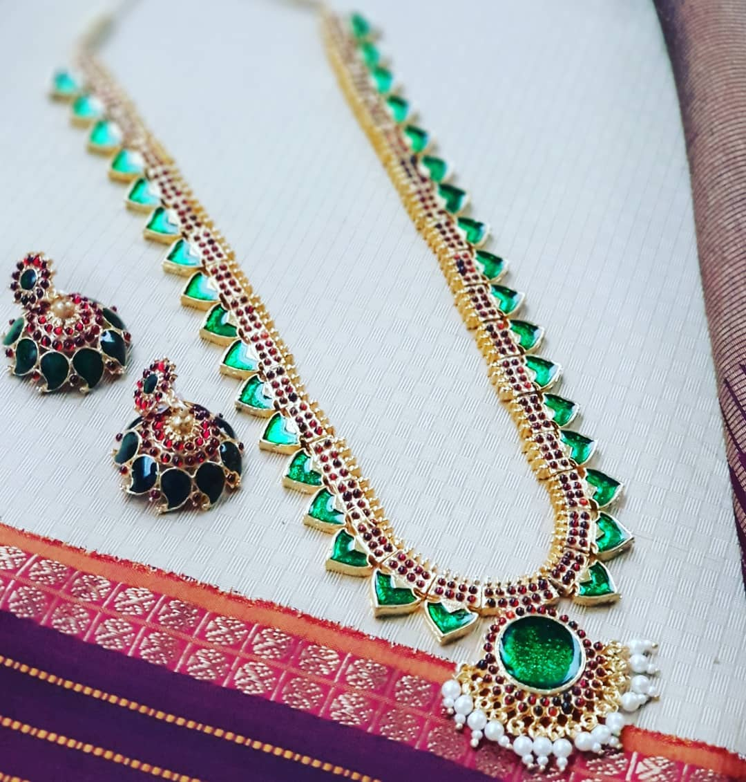 Graceful Mango Necklace Set From Vasah India