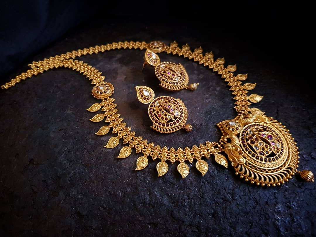 Kerala Style Kemp Necklace Set From Happypique