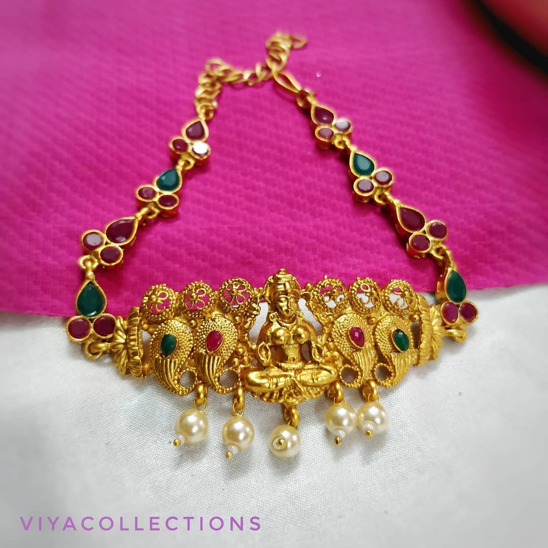 Pretty Choker From Viya Collections