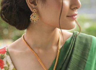 Pretty Necklace Set From Tarinika