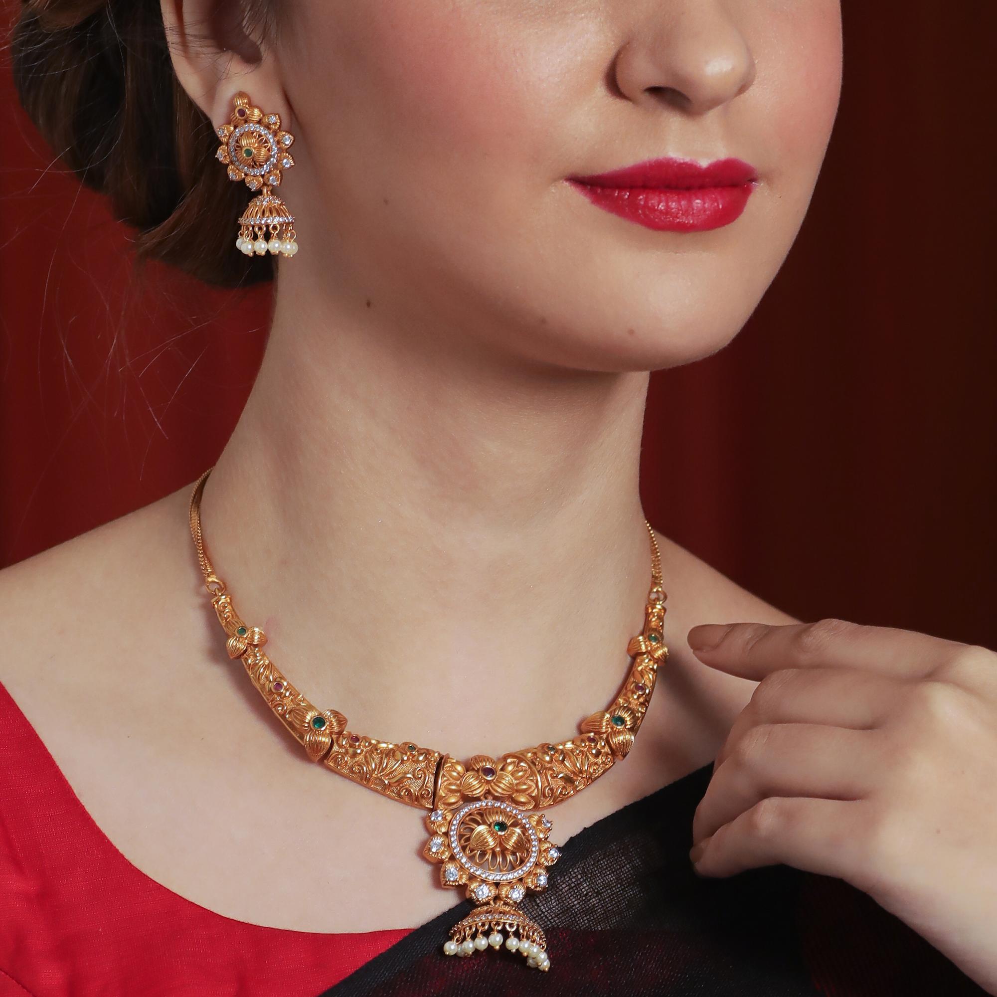 Stunning Necklace Set From Tarinika