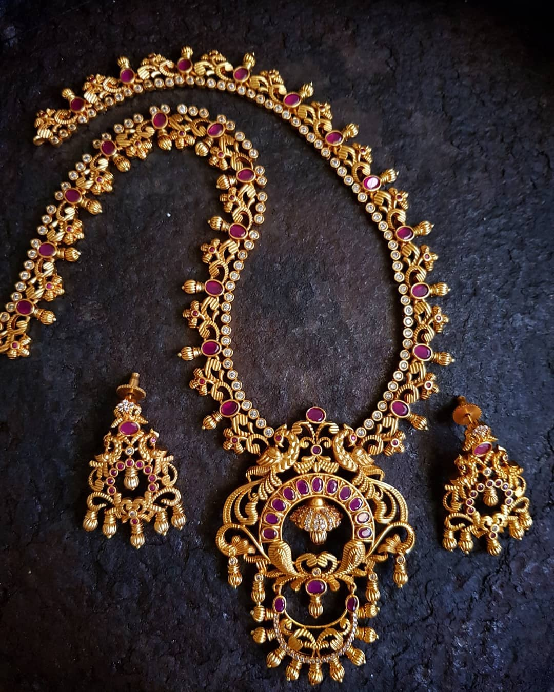 Traditional Matt Finish Ruby Necklace From Happypique