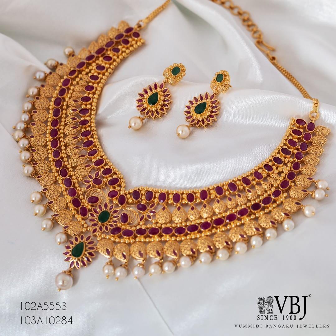 decorative Neklace Set From VBJ