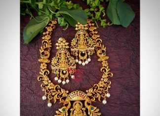 Mahalakshmi Floral Necklace From Happypique