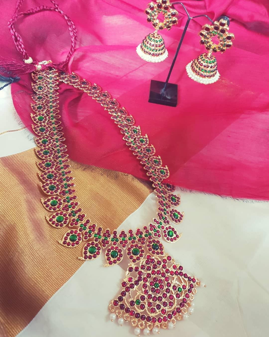 Beautiful Kemp Necklace Set From Vasah India