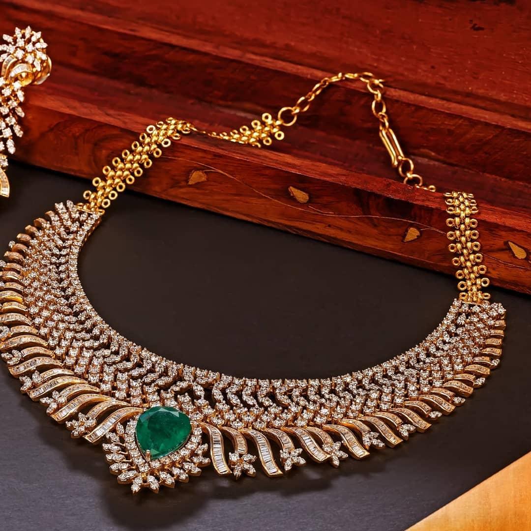 Decorative Diamond Necklace From Vaibhav Jewellers