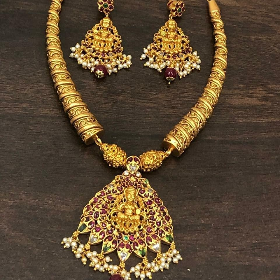 One-Gram Gold Necklace Set From Versatile Bangles