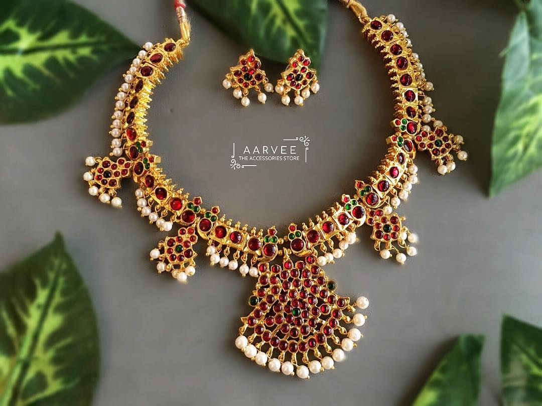 Amazing Necklace Set From Aarvee Chennai