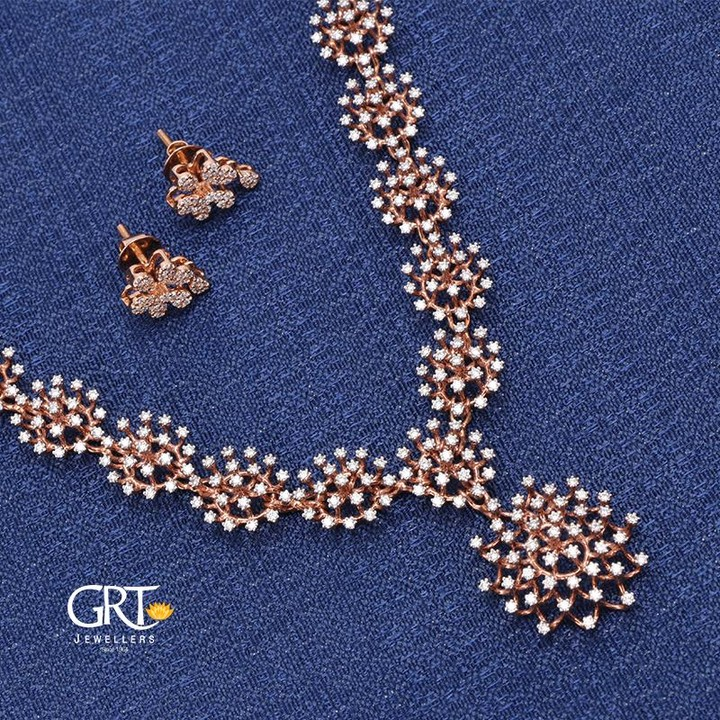703a2cf5357e2 Amazing Diamond Necklace Set From GRT Jewellers ~ South India Jewels