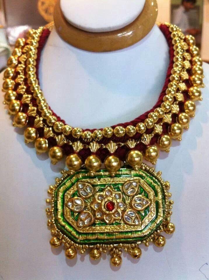 22 Carat gold choker designs