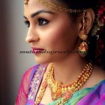 Bride with traditional Indian gold jewellery