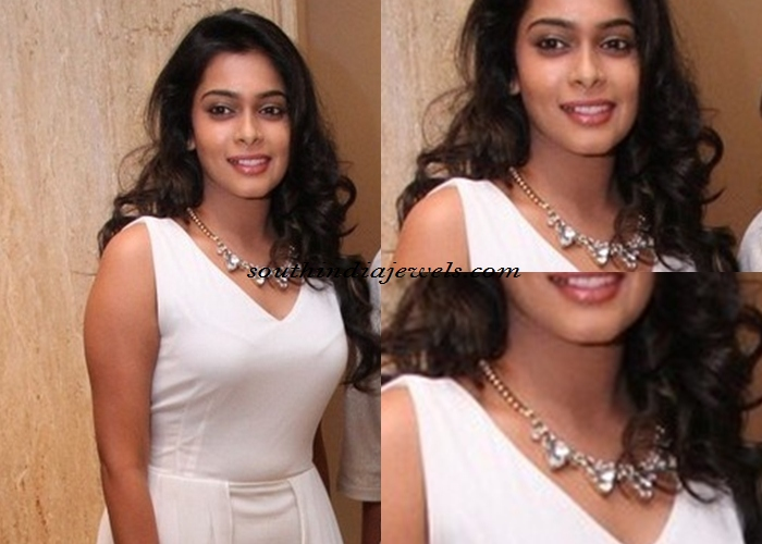 VJ keerthi in fashion jewellery