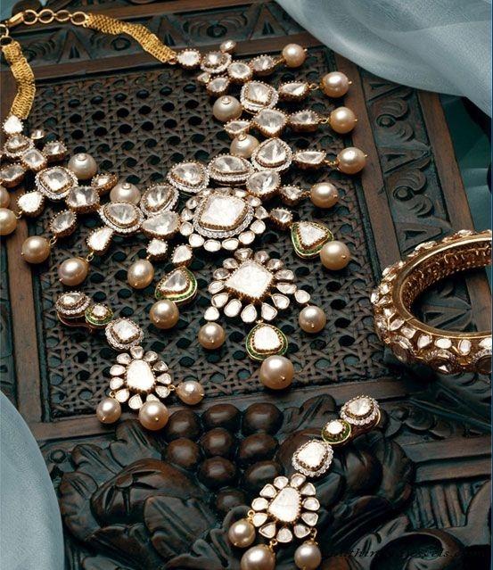 Polki Diamond necklace set