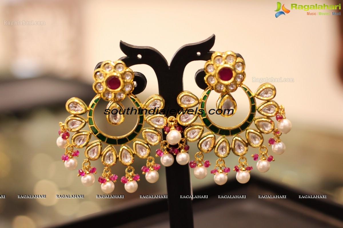 Fashion-jewellery-imitation jewellery