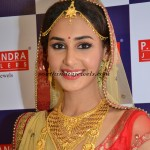 Gold Jewellery model with catchy jewels
