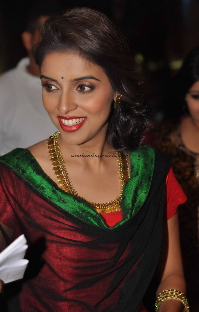 Actress Asin wearing stunning Kasumalai