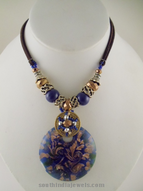 Blud glass pendant necklace