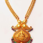 Antique gold temple jewellery necklace set