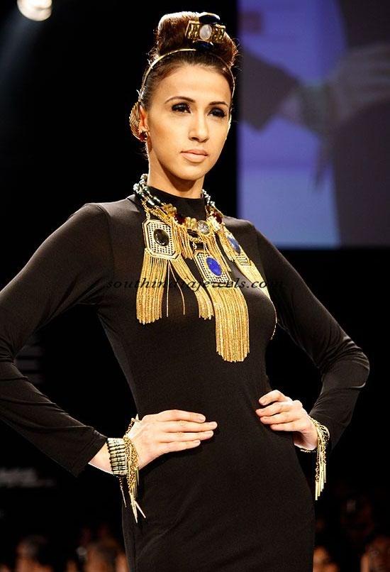 costume jewellery india