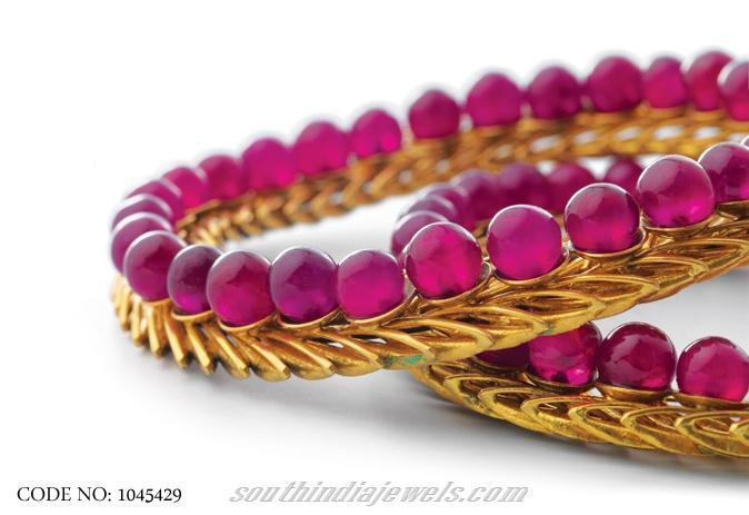 Designer gold bangle model