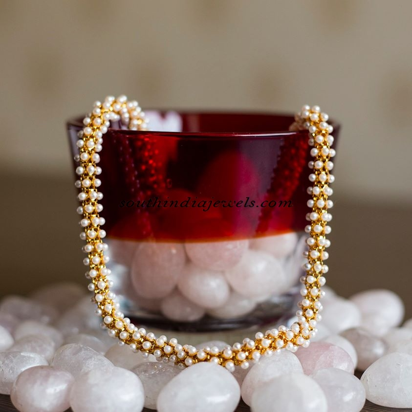 white-pearls-chain