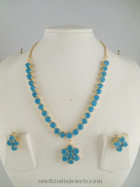 Blue stone floral necklace