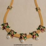 Latest Enamel Coated Fashionable Yellow Gold Necklace