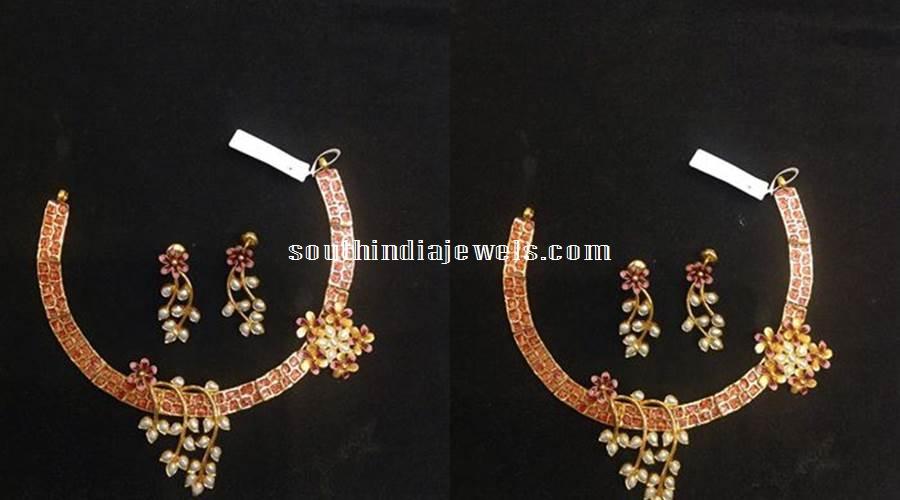 Fahionable Kundan pearl Necklace