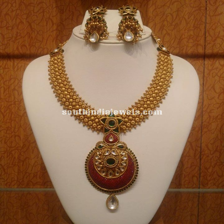 Trendy Gold Choker Set with Earrings
