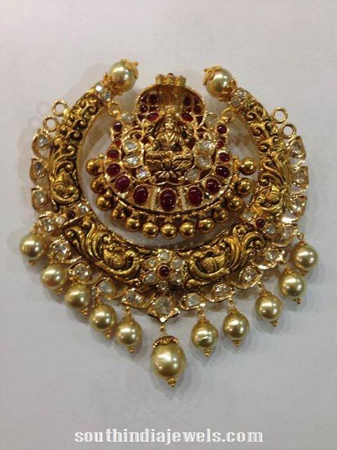 Nakshi Work Lakshmi Pendant with pearls