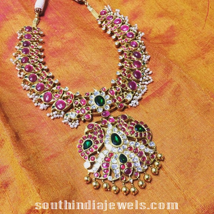 Guttapusalu Necklace with rubies and emeralds