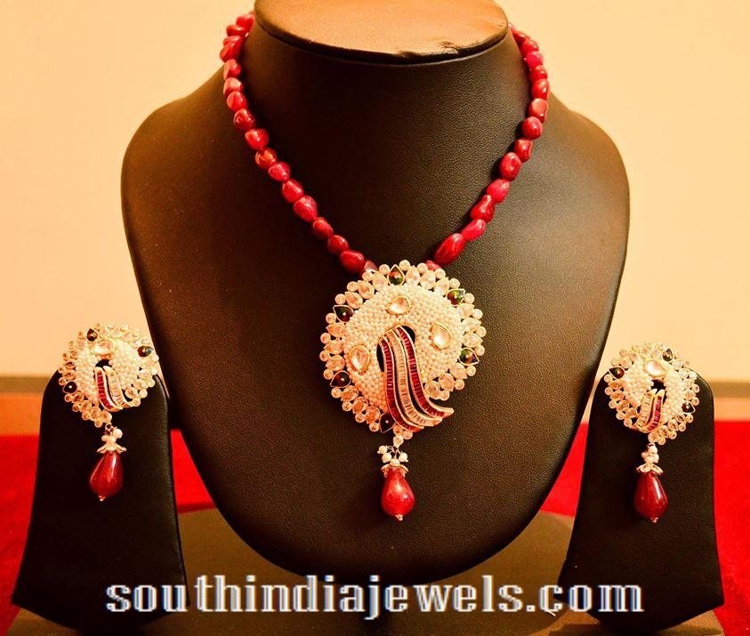 14 carat gold designer beaded necklace with earrings