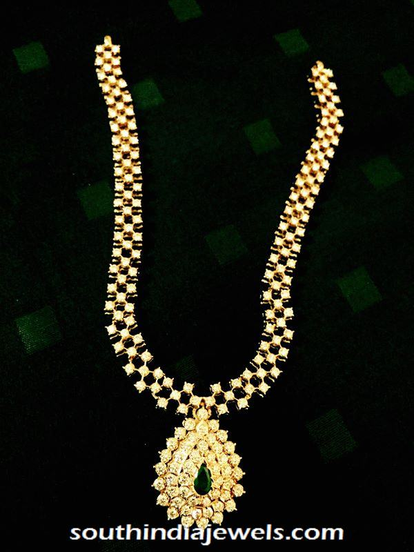 Diamond short necklace with emerald dollar