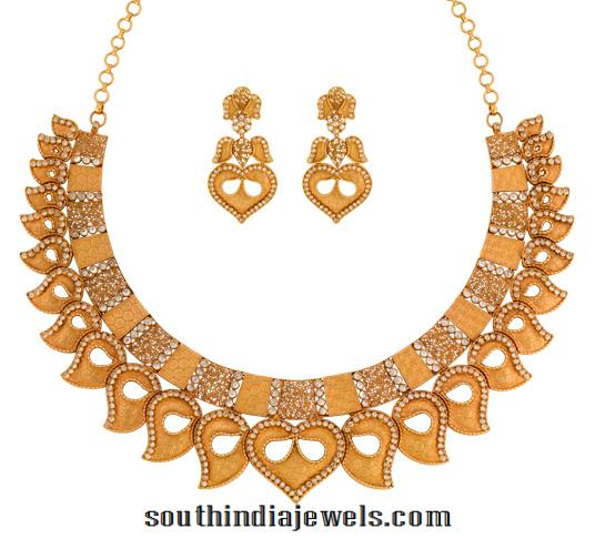 Gold Necklace with Earrings from Joyalukkas