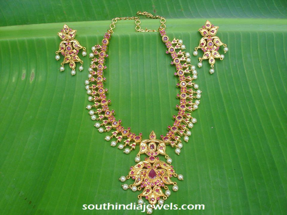 Imitation ruby necklace design