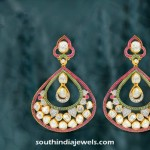 Stylish Gold Dangler Design