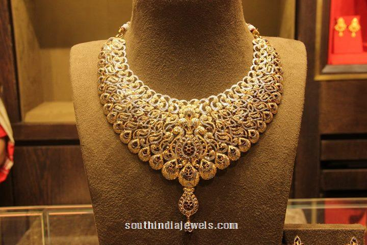 Gold Diamond Necklace from Manubhai Jewellers