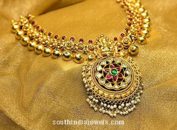 Gold antique necklace design from Manubhai Jewellers