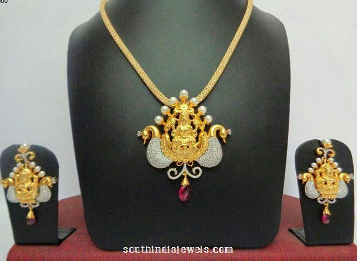 Imitation peacock short necklace design