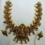 Gold Nakshi Necklace Set with Earrings