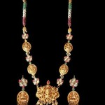 22k Gold Temple Jewellery Necklace Set